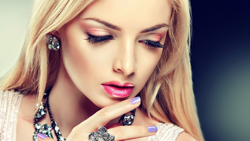Easy tips to do professional makeup at home 2