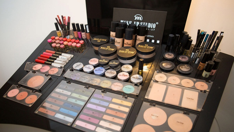 Easy tips to do professional makeup at home