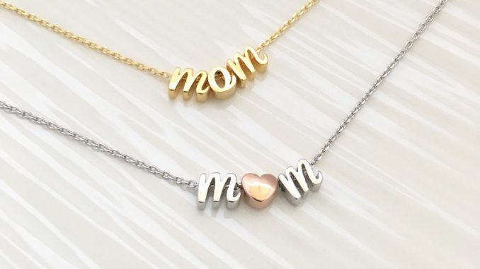 How To Choose The Best Personalized Mom Jewelry
